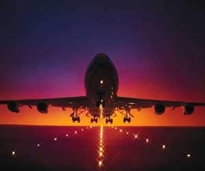 SPICEJET, JET AIRWAYS   Gained 5.5% to close at Rs 29 and rose 5.3% to Rs 358.50 Reason: Government sources indicated that the draft cabinet note on allowing 49% FDI in air carriers is ready.The note is likely to be put up for cabinet approval shortly **The spicejet management said they would evaluate options once the proposal is cleared