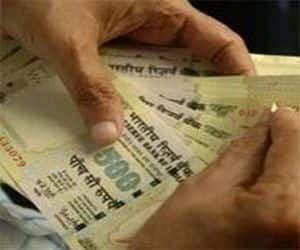 FinMin likely to prune FY13 expenditure by 28%:   FinMin is likely to cut plan expenditure for this year by roughly a third to Rs 5.21 lakh crore. The finance ministry is putting in place stringent guidelines for different ministries saying all utilisation certificates for a particular scheme have to be in place before funds are released. (Click here for complete story)