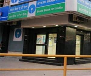 SBI  Brokerage: CLSA  Rating: Buy  Target: Rs 2920  Rationale: The key positive in the result was the healthy deposit growth of 16 percent. That could support loan growth as demand picks-up.