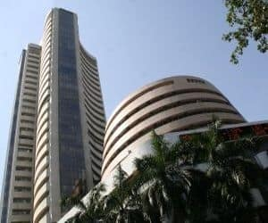 Financial Technologies: Down 19% MCX: Down 15%  Many investors had recently built positions in these two stocks, betting that the equity trading platform on MCX-SX (part of the same group as Financial Technologies and MCX) would get off to a flying start. But equity traded turnover in the first few days have been way short of market expectations