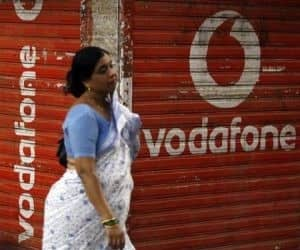 Vodafone offers Rs 40bn for licence renewal in 3 cities