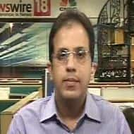 Market to correct & then rally around 6100: Anil Manghnani