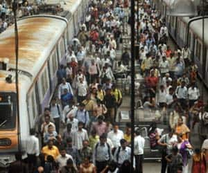 Railway Budget: Railways targets record Rs 1.6 lakh cr revenue in FY15