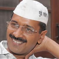 Politicians shouldn't become a roadblock for biz: Kejriwal
