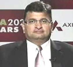 Buy on every dip; midcaps flavour of season: Axis Capital