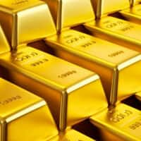 Gold prices rise in futures trade on global cues