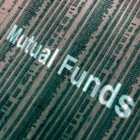 Mutual Funds gains as market end flat