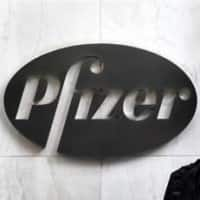 Investors stick with Pfizer CEO after Allergan deal scrapped