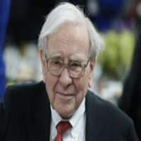 Buffett fails to dispel investor angst over succession plan