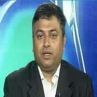 Mkt to pick up in near-term; GDP, CAD key: Deepak Shenoy