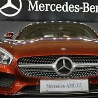 Daimler shares slide on US emissions investigation