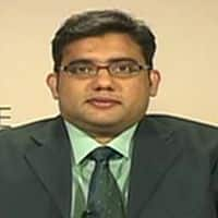 Mkt sees lack of broad based participation; buy SBI: Pros