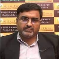 Here is why Motilal Oswal prefers Cholamandalam over TVS Motor