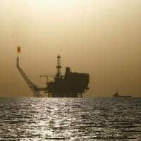 Oil rises on draw in US crude stocks, but supply worries remain