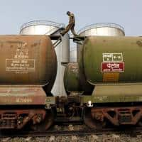 India's Sept Iran oil imports fall 4.1 % on Aug - shipping data