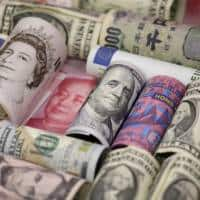 Dollar rises versus yen, higher yields support euro and sterling