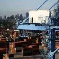 Consumers, exports seen buoying US third-quarter GDP growth
