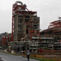 India's $20 billion refinery expansion to cut fuel oil output