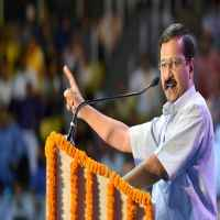 Kejriwal warns of strict action against Ola, Uber taxis
