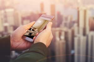 Brokers go digital with apps