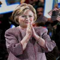 Wall Street seems less convinced of Clinton win over Trump