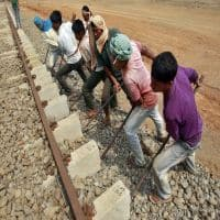 Railways sign MoU with Telangana for rail expansion