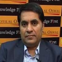 Market may revisit 7700 mark; focus on large caps: Motilal Oswal