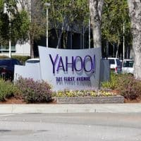 Yahoo sets April 11 deadline for preliminary bids: Report