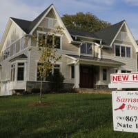 US pending home sales surge to 10-month high