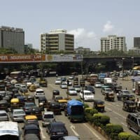 Bill for heavy penalty on traffic violators gets LS support