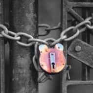 With sale failing, RBS announces shutting branches