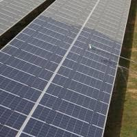 My TV : Over 300,000 workers to be employed in solar, wind energy sectors in India: Report